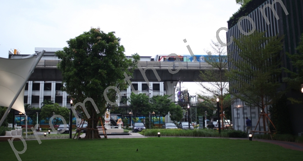 Till salu För uthyrning Bangkok Phra Khanong